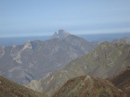 midi d'ossau pyrenees valle de tena